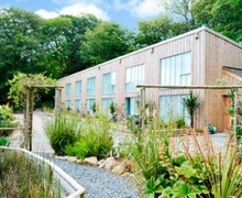 Snaptrip - Holiday cottages - Delightful Falmouth Cottage S41174 -