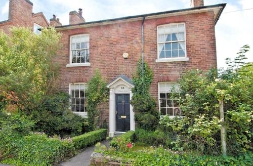 Snaptrip - Last minute cottages - Tasteful Stratford Upon Avon Cottage S15927 -