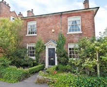 Snaptrip - Holiday cottages - Tasteful Stratford Upon Avon Cottage S15927 -