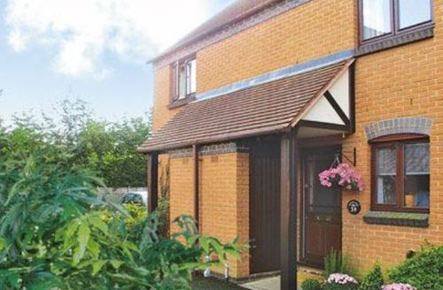 Snaptrip - Last minute cottages - Superb Stratford Upon Avon Cottage S15932 -