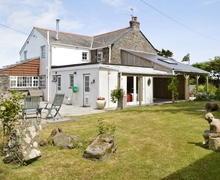 Snaptrip - Last minute cottages - Gorgeous Helston And The Lizard Peninsula Cottage S37739 -