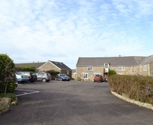Snaptrip - Last minute cottages - Tasteful Sennen Apartment S21303 -