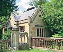 Snaptrip - Last minute cottages - Stunning Welshpool Lodge S21448 -