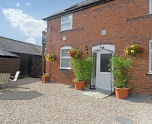 Snaptrip - Last minute cottages - Inviting Welshpool Apartment S21459 -