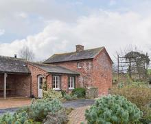 Snaptrip - Last minute cottages - Cosy Welshpool Cottage S77128 -