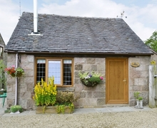 Snaptrip - Holiday cottages - Inviting Leek Cottage S16001 -
