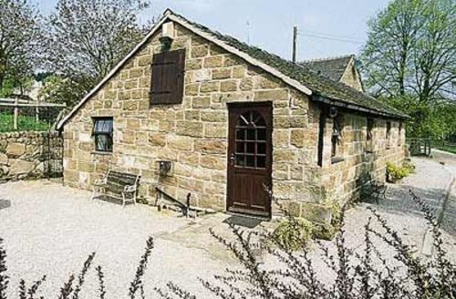 Snaptrip - Last minute cottages - Attractive Leek Cottage S16019 -
