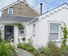 Snaptrip - Last minute cottages - Tasteful Preseli Hills Cottage S60336 -