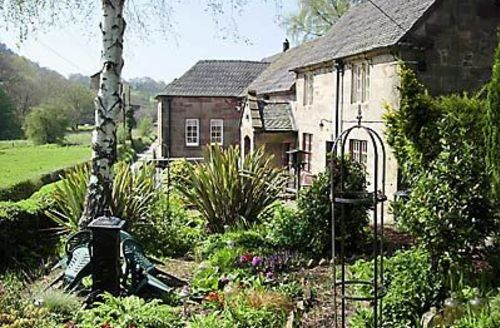 Snaptrip - Last minute cottages - Lovely Leek Cottage S16028 -