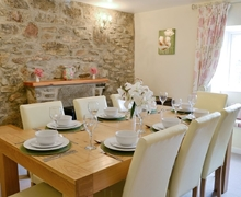 Snaptrip - Last minute cottages - Captivating Llansteffan Cottage S21774 -