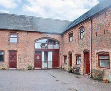 Snaptrip - Last minute cottages - Adorable Stoke On Trent Cottage S16065 -