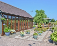 Snaptrip - Holiday lodges - Wonderful Stoke On Trent Lodge S16075 -