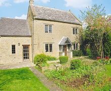 Snaptrip - Last minute cottages - Charming Bourton On The Water Cottage S16079 -