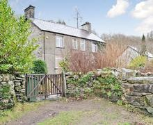 Snaptrip - Last minute cottages - Stunning Blaenau Ffestiniog Cottage S44038 -