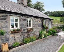 Snaptrip - Last minute cottages - Captivating Betws Y Coed Cottage S22345 -