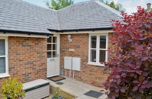 Snaptrip - Last minute cottages - Stunning Cheltenham Cottage S16124 -