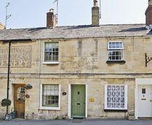 Snaptrip - Last minute cottages - Quaint Cheltenham Cottage S16125 -