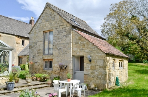 Snaptrip - Last minute cottages - Wonderful Cheltenham Cottage S16127 -