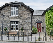 Snaptrip - Last minute cottages - Beautiful Colwyn Bay Cottage S37666 -