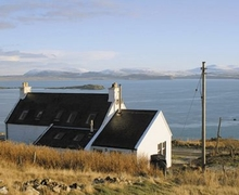 Snaptrip - Last minute cottages - Quaint Portree Cottage S22491 -