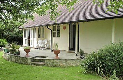 Snaptrip - Last minute cottages - Captivating Cirencester Cottage S16157 -
