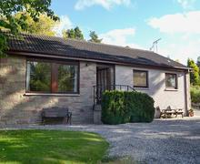 Snaptrip - Holiday cottages - Lovely Ballindalloch Cottage S72019 -