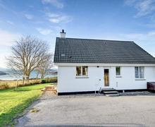 Snaptrip - Holiday cottages - Lovely Kyle Of Lochalsh Cottage S22785 -