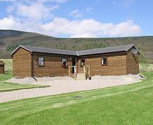 Snaptrip - Holiday cottages - Quaint Buckie Cottage S25393 -