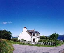 Snaptrip - Last minute cottages - Tasteful Gairloch Cottage S22844 -