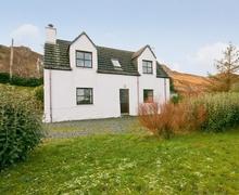 Snaptrip - Last minute cottages - Excellent Gairloch Cottage S22847 -