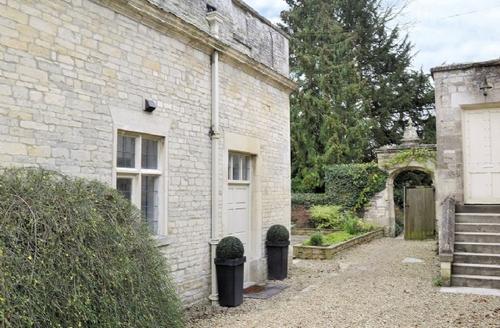 Snaptrip - Last minute cottages - Excellent Cirencester Cottage S16198 -