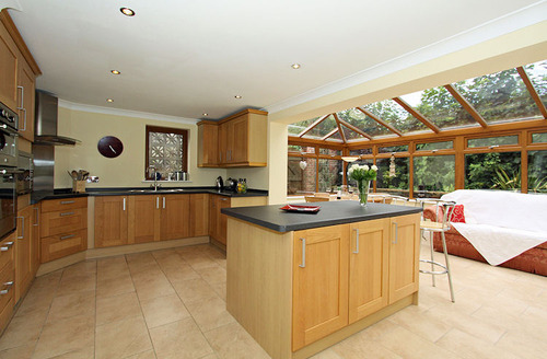 Snaptrip - Last minute cottages - Exquisite Torpoint House S1374 - Kitchen