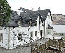 Snaptrip - Last minute cottages - Beautiful Crianlarich Cottage S23250 -
