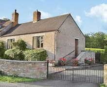 Snaptrip - Last minute cottages - Stunning Gloucester Cottage S16237 -