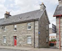 Snaptrip - Last minute cottages - Beautiful Pitlochry Apartment S49706 -