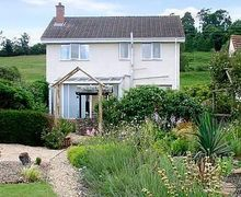 Snaptrip - Last minute cottages - Inviting Lydney Cottage S16261 -