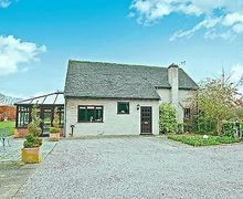 Snaptrip - Last minute cottages - Lovely Moreton In Marsh Cottage S16270 -