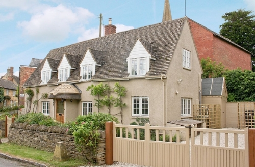Snaptrip - Last minute cottages - Adorable Moreton In Marsh Cottage S16275 -