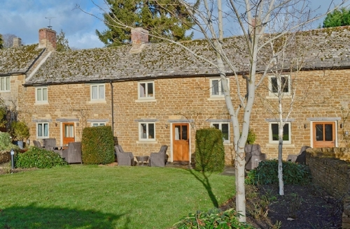 Snaptrip - Last minute cottages - Captivating Stow On The Wold Cottage S16301 -