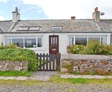 Snaptrip - Last minute cottages - Quaint Sandyhills Cottage S40483 -