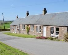 Snaptrip - Last minute cottages - Tasteful Jedburgh Cottage S27081 -