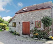 Snaptrip - Holiday cottages - Cosy Tewkesbury Cottage S16332 -