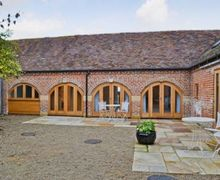 Snaptrip - Last minute cottages - Cosy Evesham Cottage S16341 -