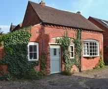 Snaptrip - Last minute cottages - Captivating Malvern Cottage S16352 -