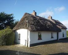Snaptrip - Last minute cottages - Superb Newcastle West Cottage S76767 -