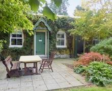 Snaptrip - Last minute cottages - Beautiful Cahir Cottage S42085 -