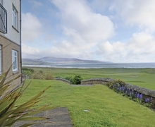 Snaptrip - Last minute cottages - Quaint Brora Cottage S24351 -