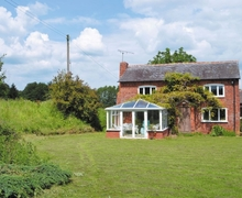 Snaptrip - Last minute cottages - Splendid Tenbury Wells Cottage S16390 -