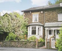Snaptrip - Last minute cottages - Luxury Bowness On Windermere Cottage S24418 -
