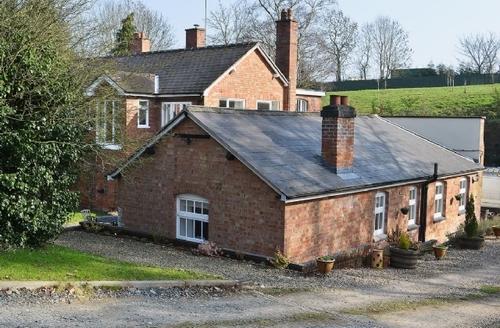 Snaptrip - Last minute cottages - Gorgeous Worcester Cottage S16398 -